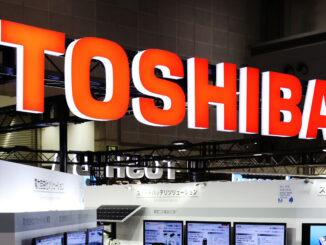 toshiba xem xét bán tập đoàn